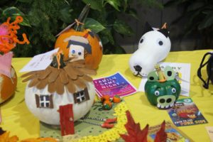 2017 Somethin' Pumpkin decorated pumpkin entries